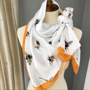 Victoria Beckham Bumble Bee Scarf